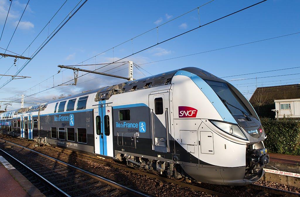 Nouveau train Regio 2N à l'arrêt