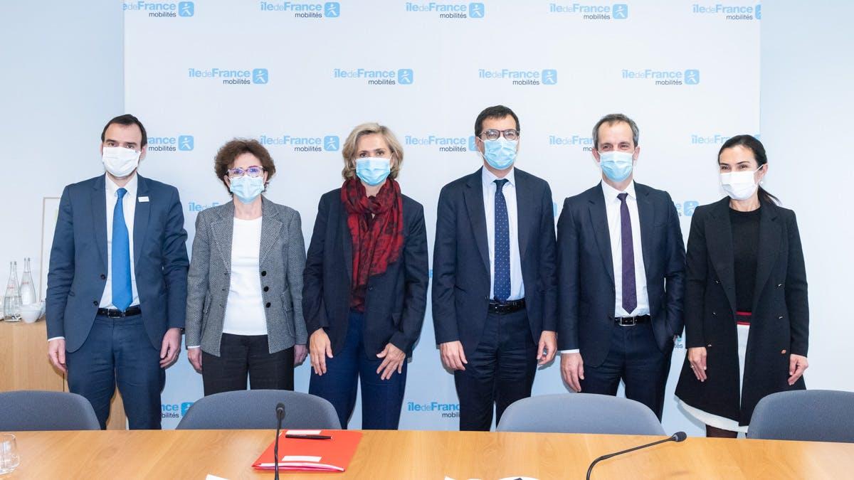 Signature du contrat SNCF / Île-de-France Mobilités, à Saint-Ouen, dans les bureaux de la Région Île-de-France, le 9 décembre 2020  © Cyril BADET - Ile-de-France Mobilités